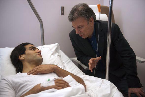 Incluso el presidente de Colombia, Juan Manuel Santos, visitó al futboli...