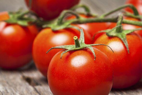 Jitomate: Tienen carotenoides, muy importantes para ayudar a prevenir el...