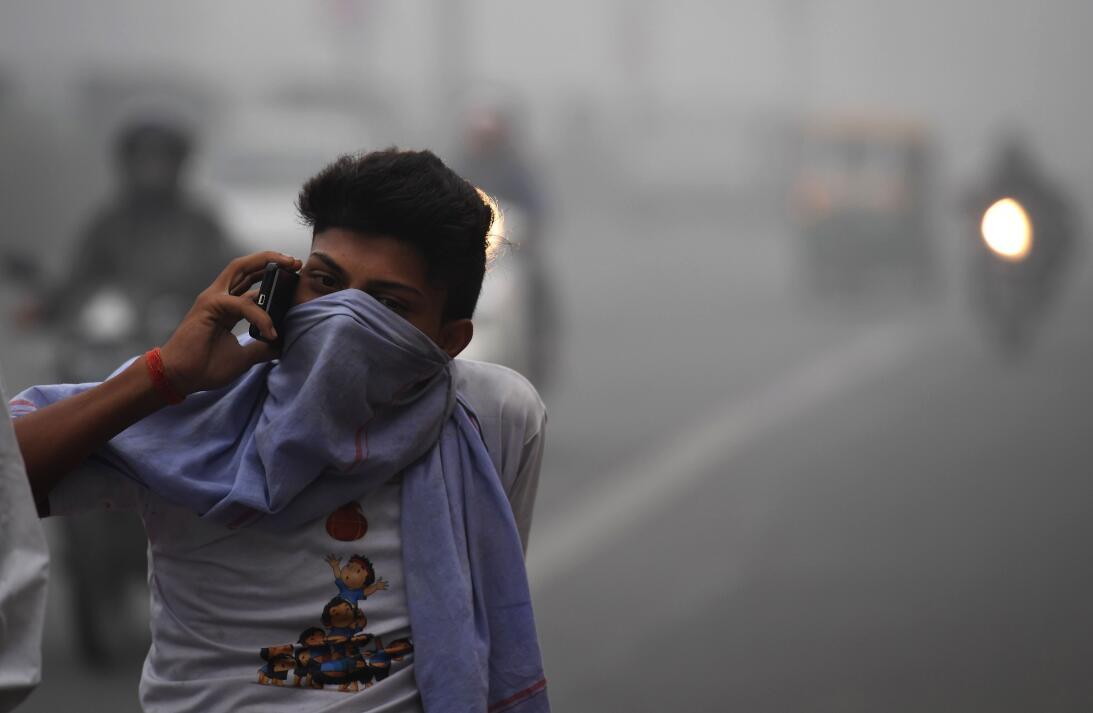 La contaminación del aire asfixia a Nueva Delhi  7gettyimages-871492170.jpg