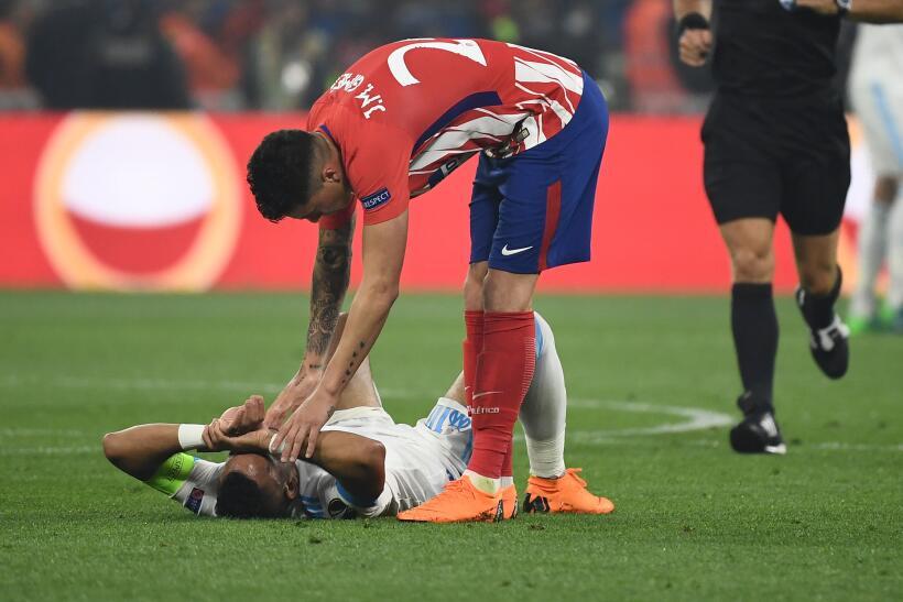 Dimitri Payet tocó la Copa antes de la final, salió lesionado en la prim...