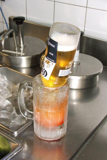 Finalmente a esto le agregas la cerveza de tu preferencia y en algunos c...