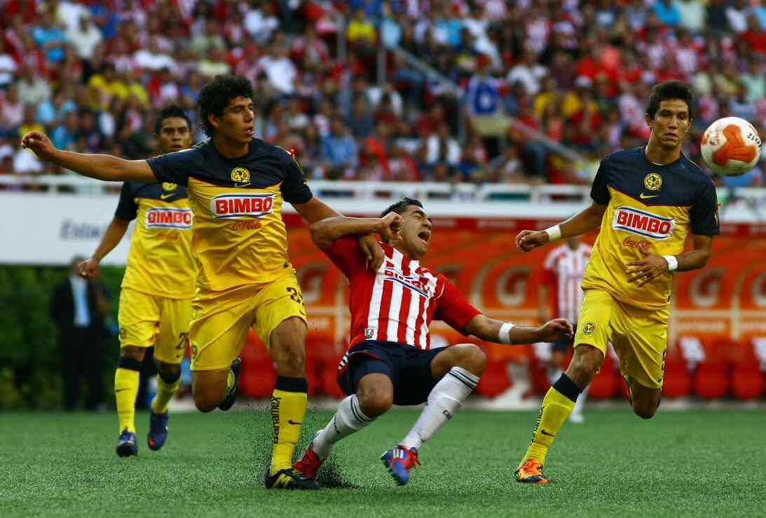 Miguel Herrera, ganador en el Clásico Nacional con América 20120408-1690...