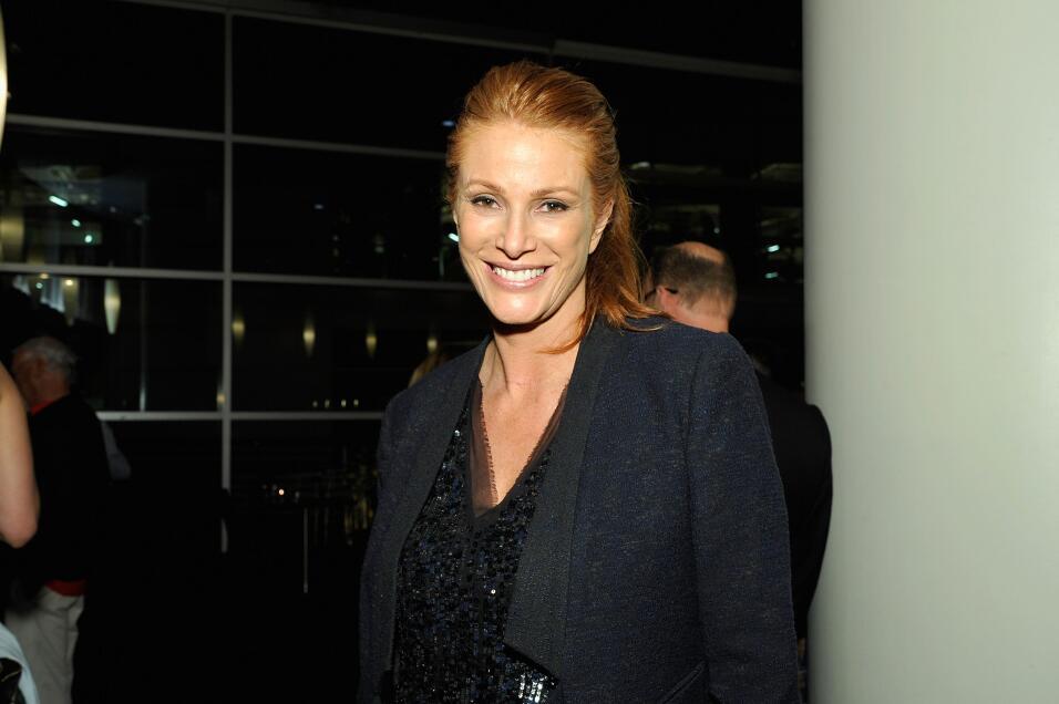 La actriz Angie Everhart contó a KLOS que Weinstein se masturbó delante...