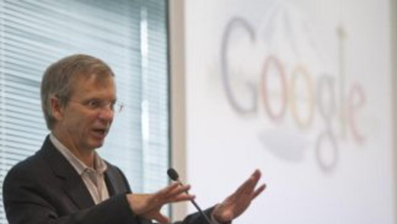 Eustace es Vicepresidente Ejecutivo de Conocimiento en Google.