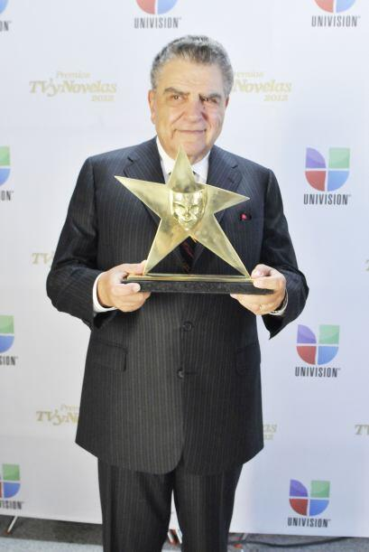 Don Francisco fue uno de los galardonados en los premios que reconocen a...