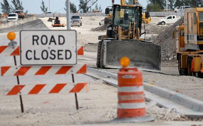 Senador de Florida propone compensación económica a negocios afectados p...