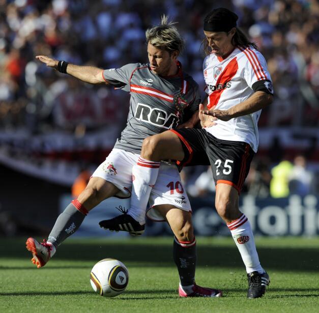 Atlético hunde al Málaga y presiona al Sevilla GettyImages-107429409.jpg