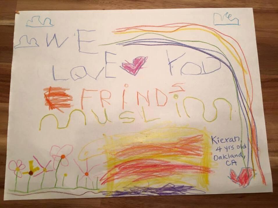 """""""Ama a tus amigos musulmanes"""", escribió Kieran un niño califor..."""