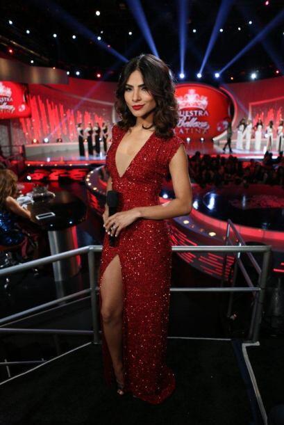 Alejandra se divierte delante y detrás de cámaras.