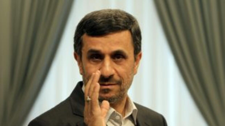 El presidente iraní, Mahmud Ahmadinejad, se encuentra actualmente en una...