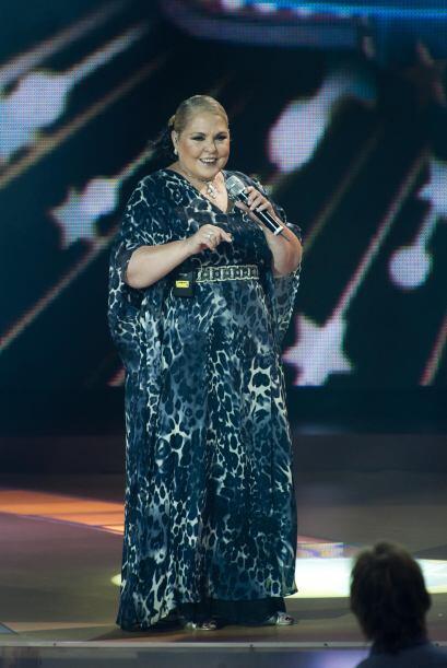 Lupita D´Alessió también cantó en Pequeños Gigantes.