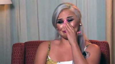 Claudia Galván llora al revivir el momento en el que no tenía para comprarles zapatos a sus hijos antes de ser 'stripper'