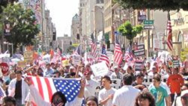 Los Angeles listo para la marcha por la reforma migratoria el sabado 27...