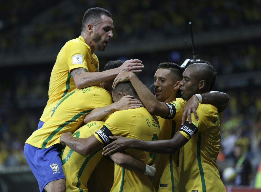 Brasil estuvo de fiesta en el clásico contra Argentina AP_16316028555950...