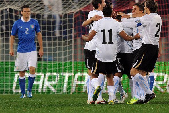 Sebastián Fernández anotó en la puerta 'azzurra'.