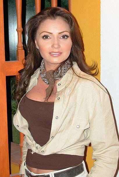 Esta misma telenovela dio gran éxito a Angélica River muchos años antes....