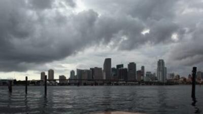 Científicos expertos en cambio climático pronostican que Miami es una de...