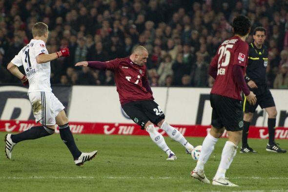 El ataque del Bayern no pudo hacer mucho por el buen trabajo de Pander,...