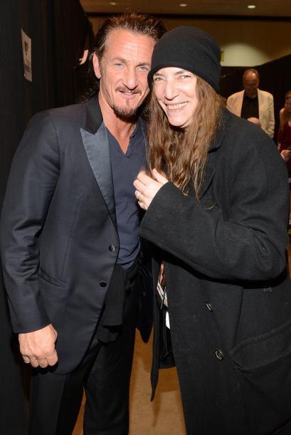 Y hablando de leyendas, Sean Penn con la siempre desenfadada Patti Smith.