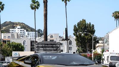 El Lamborghini dorado con el que Chris Brown deslumbra a Los Ángeles