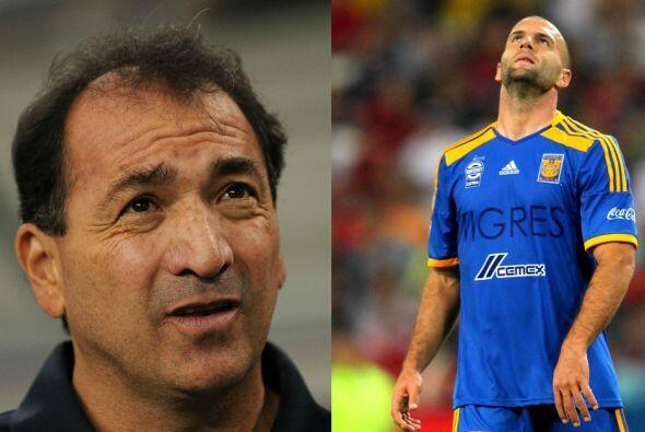Finalmente Carrillo dejó la dirección técnica del equipo pero a Emanuel...