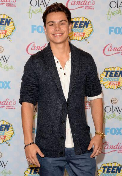 """Su participación como """"Max Russo""""  en la serie de Disney Channel, 'Wizar..."""