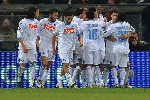 Nápoli superó 1 a 0  sin problemas al Genova y sigue tercero en la tabla...
