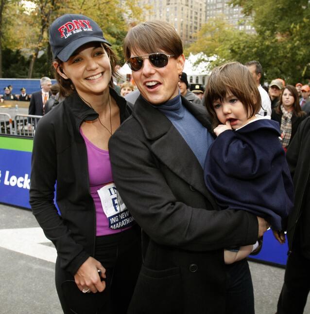 Donde quiera que estaban Tom Cruise y Katie Holmes, su hija Suri los aco...