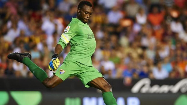 El portero de la Málaga recibió insultos en el juego ante valencia.