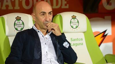 Pako Ayestarán renunció a Santos
