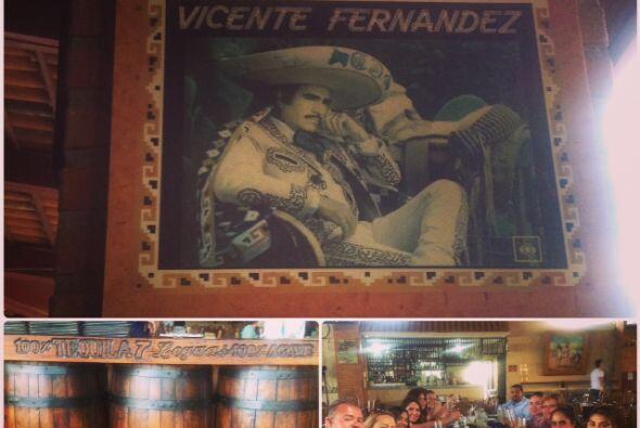 """Finalmente, el grupo llegó al restaurante """"Los Tres Potrillos"""" para goza..."""