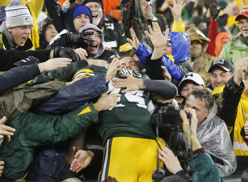 Los Green Bay Packers vencieron 28 - 7 a los Dallas Cowboys para colocar...
