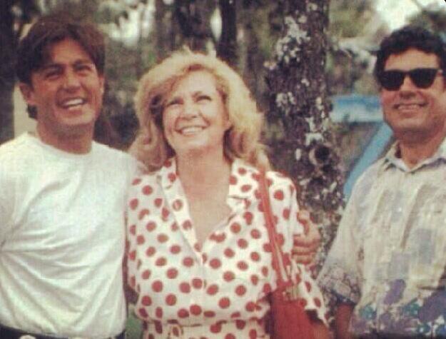 Fernando Colunga con sus padres
