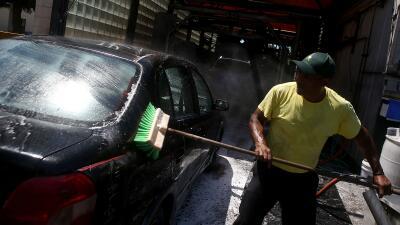 La industria de lavado de coches es una de las que más registra violacio...