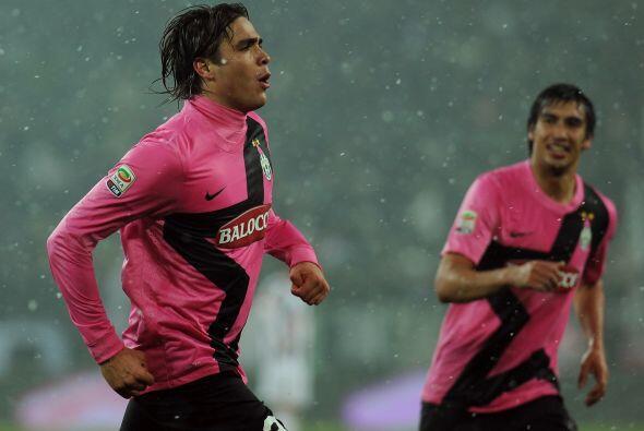 Alessandro Matri abrió el marcador cuando se terminaba el primer tiempo,...