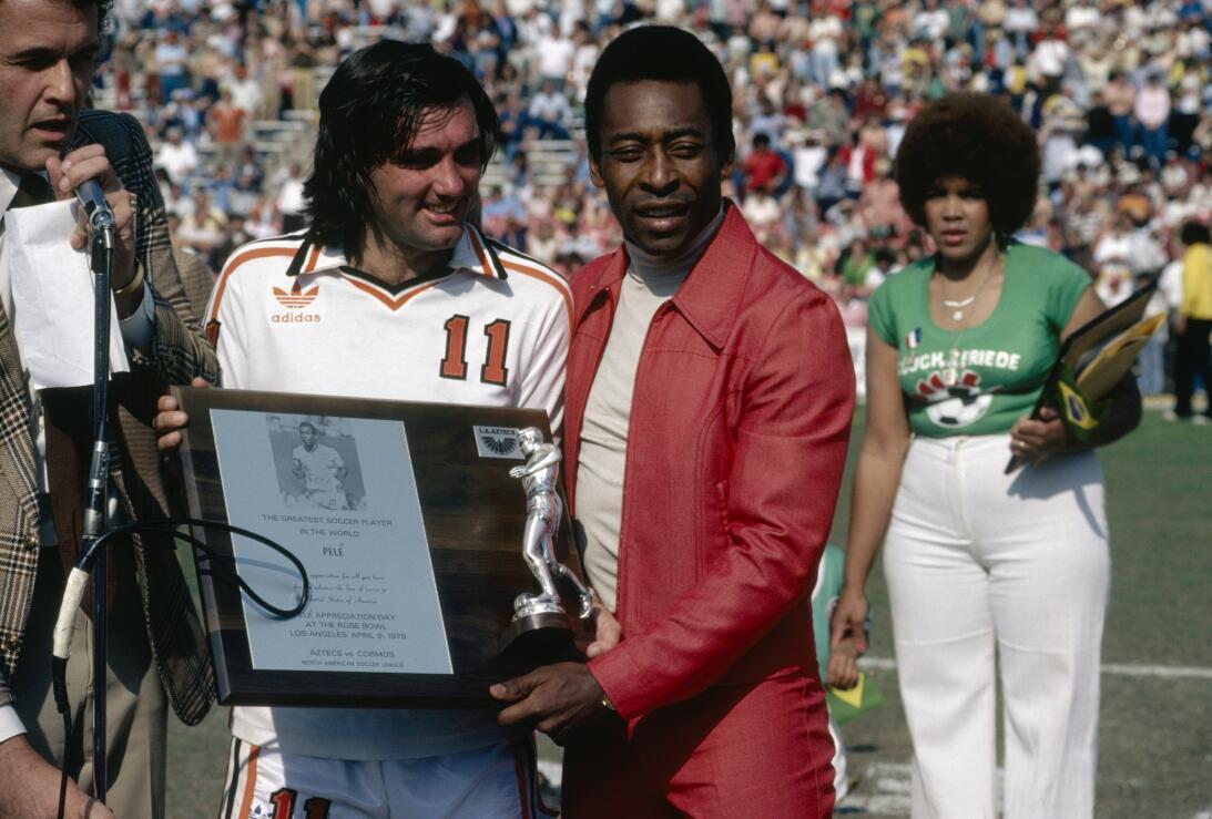 Grandes figuras del fútbol que no fueron a ningún Mundial George Best.jpg