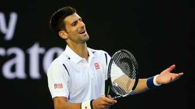 Djokovic sufre para avanzar a cuartos