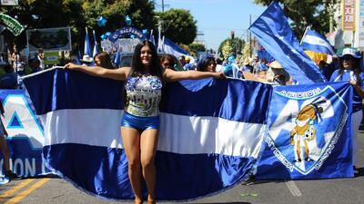 Desfilan por la independencia de los países centroamericanos