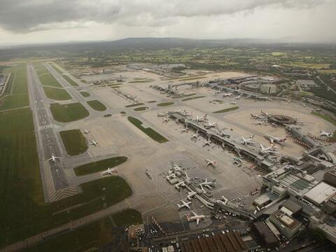 El aeropuerto londinense de Heathrow, el de mayor tráfico de Euro...