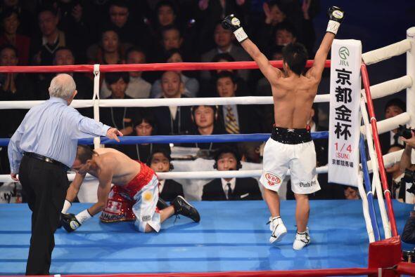En el segundo se acabó la pelea y el japonés Inoue conquistó su segundo...