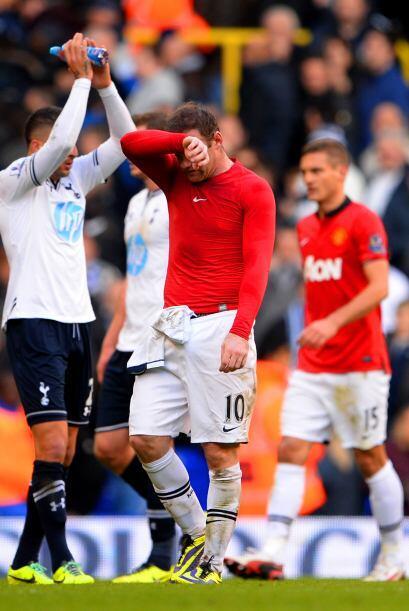 Se escuchó el silbatazo final y United apenas sacó un empate de la casa...