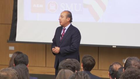 Felipe Calderón dio una charla en Dallas sobre la compleja relación bila...