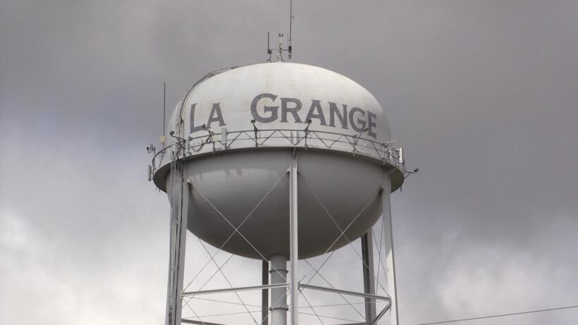 La ciudad de La Grange tiene una población de poco más de 4,600 personas...