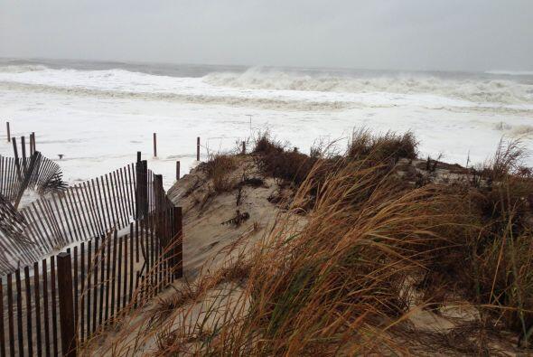 Pedro Tirado envió sus fotos de la playa con un fuerte Oleaje en Ocean City
