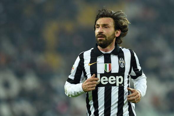 La mala noticia para el cuadro italiano fue la lesión de Andrea Pirlo qu...