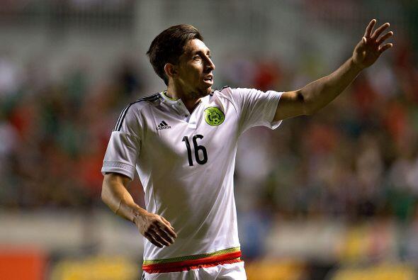 En caso de que Dueñas repita de inicio, Héctor Herrera jugaría más adela...