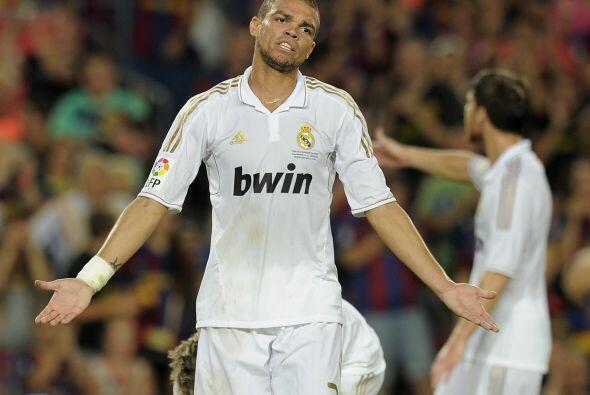 El portugués Pepe es un denfesor aguerrido, le gusta jugar al l&i...
