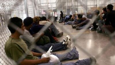 Inmigrantes indocumentados en un centro de detención de ICE en Texas.