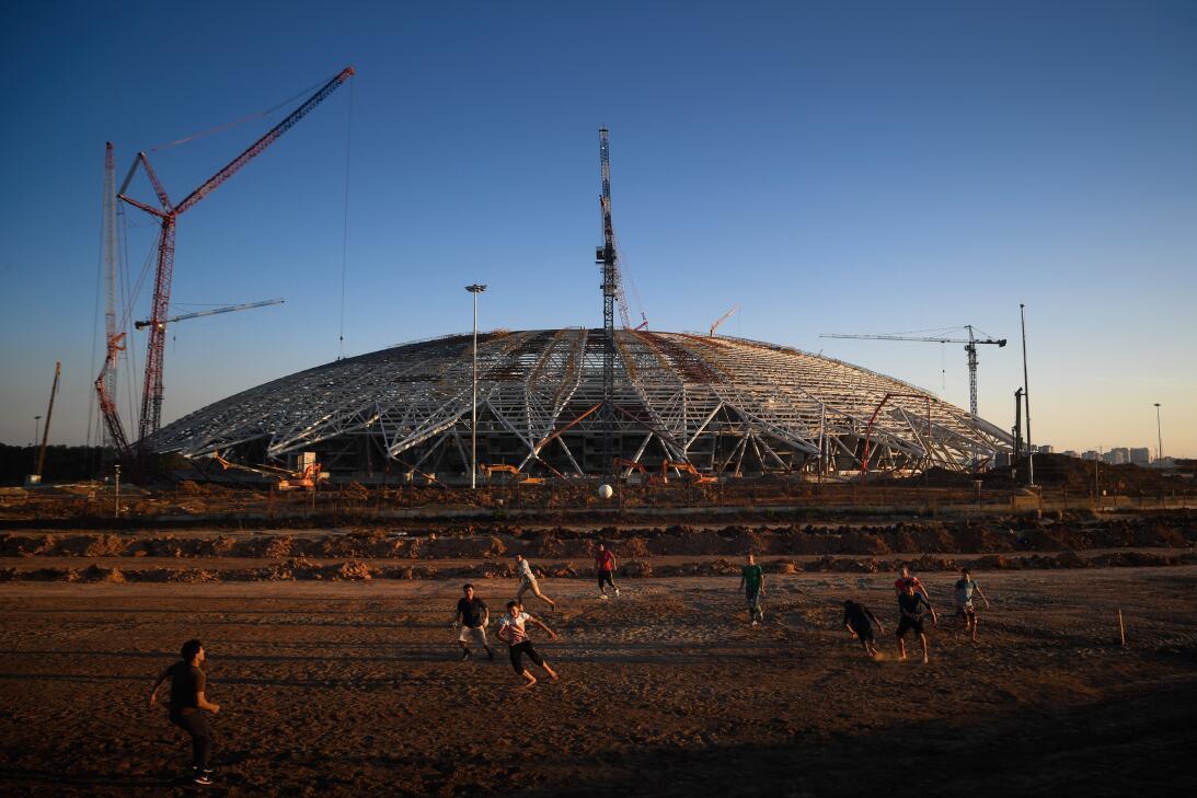 El Samara Arena (Samara) es, quizás, el estadio que más tarde comenzó la...