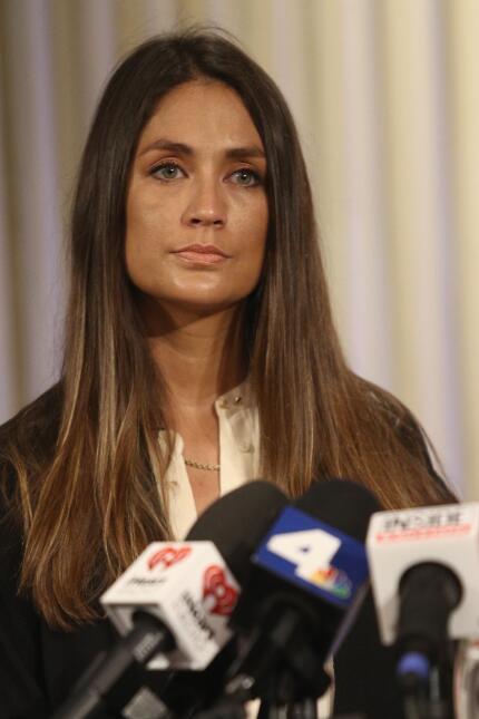 La actriz Dominique Huett ha relatado que en 2010 Harvey Weinstein la in...